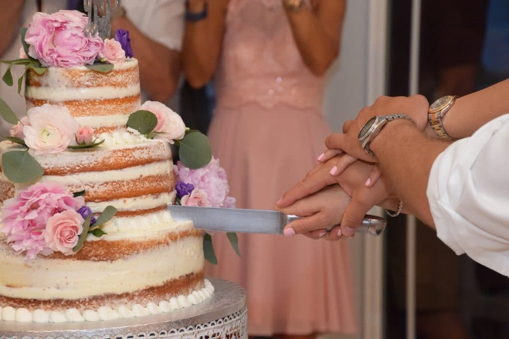 Déguster la pièce montée avant le mariage