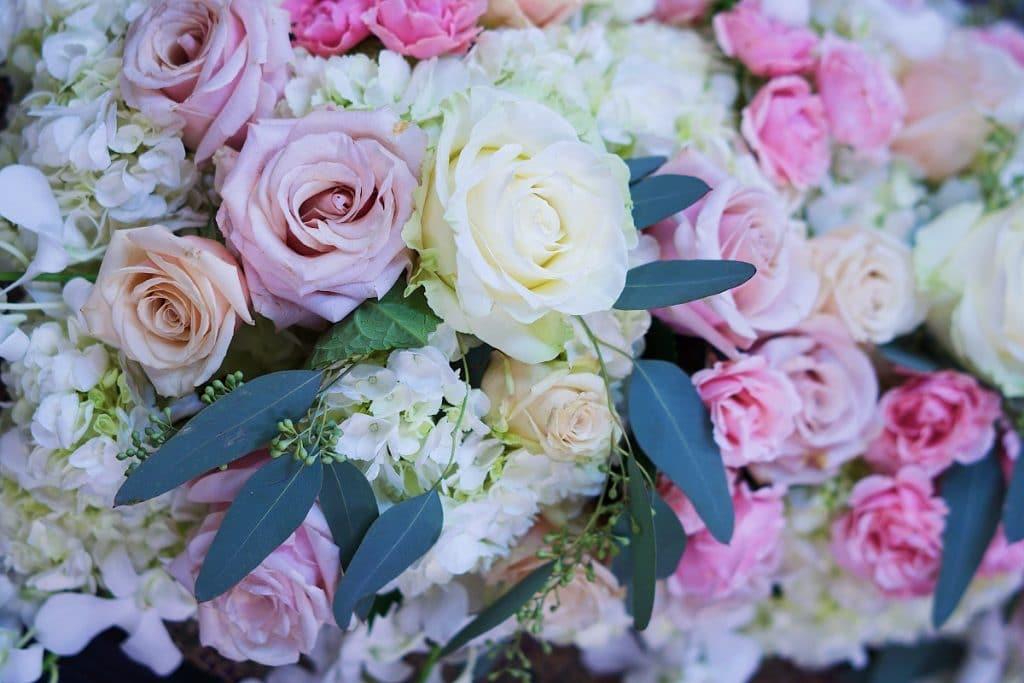 Les fleurs pour un mariage en été