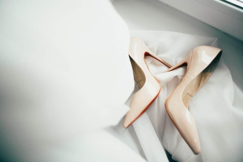 Les chaussures à talons : l'indémodable de la mariée