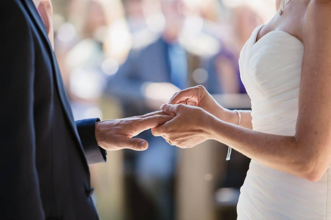 Que faut-il dans le dossier de mariage pour la mairie ?